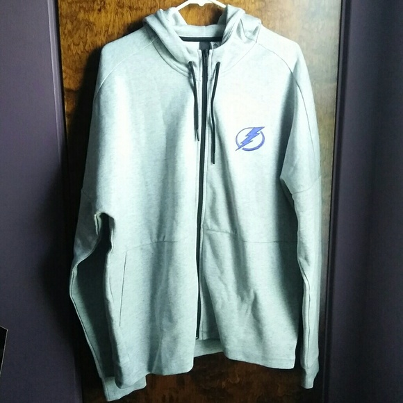 half off 52c5b ad28a NWT Adidas Tampa Bay Lightning Hoodie Size XL NWT